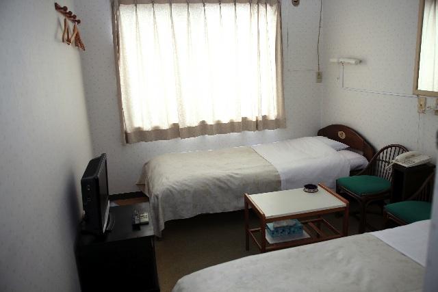 ニューミナト客室1